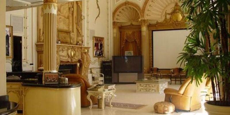 Indian Celebrity Shahrukh Khan Home